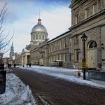 Nice stroll in Old Montreal to the Marche Bonsecours