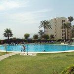 Otra de sus grandes piscinas.