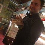 Jonathan, le patron et son Pinot de derrière les fagots...