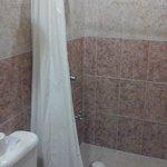 Baño del Hotel Embajadores