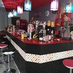 E&M Cafeteria Bar