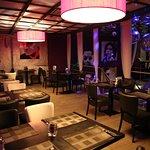 Dakota'z Reztaurant Club Lounge