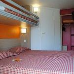 Chambre lits jumeaux et lit superposé