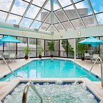 Photo de Embassy Suites by Hilton Crystal City - National Airport