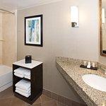 Foto de Embassy Suites by Hilton Portland Washington Square