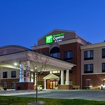 Photo de Holiday Inn Express Hotel & Suites Logansport