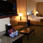 Photo of Holiday Inn Express Hotel & Suites - Athens