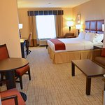 Holiday Inn Express Hotel & Suites Smithfield-Selma I-95