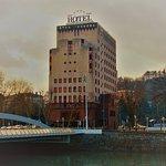 Photo de Silken Amara Plaza Hotel