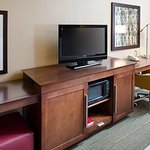 Hampton Inn & Suites Palmdale Photo