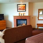 Picture of our KGFP room with a King Bed & Fireplace