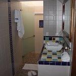Baño de una habitación Standard de Luxe