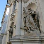 教会ファザードの彫像
