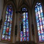 左、赤い衣装のイエス・キリストの右上にヒトラーとムッソリーニが隠されている。