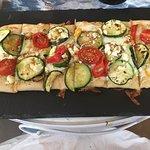 Veggie flatbread