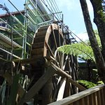 Refurbishing the water wheel - it works