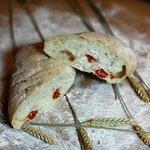 Каждое утро горячий хлеб из собственной печи