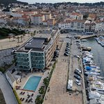 Photo de Kyriad Prestige Toulon - L S S M - Centre Port