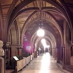 One of Manchester Town Hall's impressive corridors (26/Jan/17).