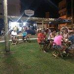 Food Park Bombinhas, onde as famílias desfrutam da boa gastronomia.