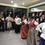 Jeden Abend gibt es in der Hotellobby Unterhaltung, hier Folklore