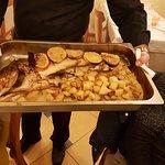 Un branzino da quasi 4 kg...come sempre la cucina è eccellente, il pesce è fresco, cucinato ad a