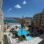 Photo de Corinthia Hotel