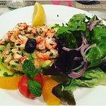 salade d'écrevisses, avocat, tomate et agrumes