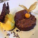 moelleux au chocolat et son sorbet mangue
