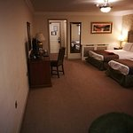 Bracken Court Hotel Photo