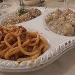 Tris di primi (Pici al ragù, gnocchi al tartufo, risotto ai funghi)