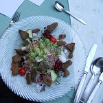 Salat mit gebackenen Milchbrätlingen