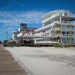 Photo de Paradise Oceanfront Resort