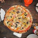 Foto de Fuego y Leña pizza artesanal