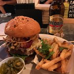 Best burger in calle Loiza! Excellent food and beverages!!!
