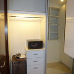 Studio Unit Closet with Safe