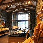 Große Auswahl an täglich frischen Brot & Gebäcken