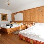 Photo de Hotel Asterbel