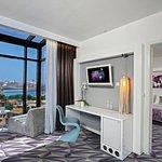 Photo de Hotel Luxe