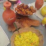 Entrée : acras de giraumon et malanga accompagnés de rougail de mangues vertes