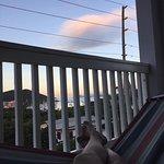 Photo de Two Sandals by the Sea Inn - Bed & Breakfast