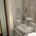 Dusche im Zimmer