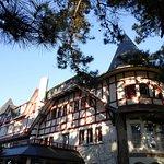 Hôtel Les Pléiades ...joli parc de verdure ... proche de la mer ! et des rues cmmerçantes