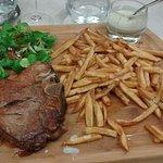 L excellent t bone de veau sauce roblochon frites maison !!