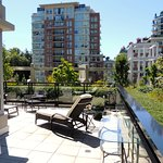 Terrace Suite Victoria BC / Beautiful 2 bedroom 2 bath apartment located in the heart of downtow