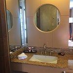 vanity, sink faucet had great water pressure.