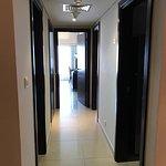 коридор разделяющий спальни