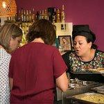 Marta, un amor de persona y excelente profesional, atenta y no para de recomendarte platos.