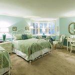 Queen Specialty Room
