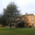 The extensive, landscaped grounds of Somerville College are an oasis of tranquility in a busy ci